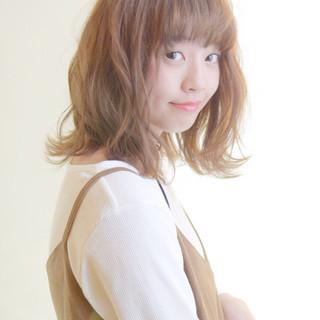 ヘアアレンジ ふわふわ ミディアム ガーリー ヘアスタイルや髪型の写真・画像 ヘアスタイルや髪型の写真・画像