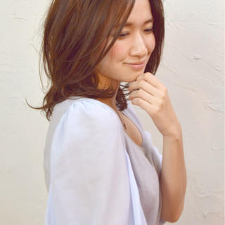 フェミニン アッシュ ピュア キュート ヘアスタイルや髪型の写真・画像