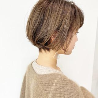 ミニボブ ショートヘア 大人かわいい ナチュラル ヘアスタイルや髪型の写真・画像