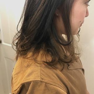 ストリート ハイライト アッシュ 暗髪 ヘアスタイルや髪型の写真・画像