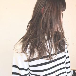 ゆるふわ アンニュイ アッシュグレージュ ナチュラル ヘアスタイルや髪型の写真・画像 ヘアスタイルや髪型の写真・画像
