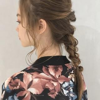 フェミニン 簡単ヘアアレンジ くるりんぱ セミロング ヘアスタイルや髪型の写真・画像