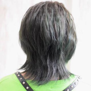 エメラルドグリーンカラー モード ナチュラルウルフ ウルフカット ヘアスタイルや髪型の写真・画像