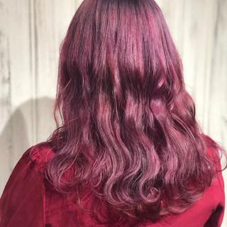 ピンクバイオレット ブリーチカラー ガーリー セミロング ヘアスタイルや髪型の写真・画像