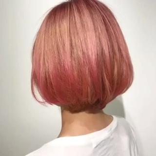 ピンク ブリーチオンカラー ベリーピンク ストリート ヘアスタイルや髪型の写真・画像