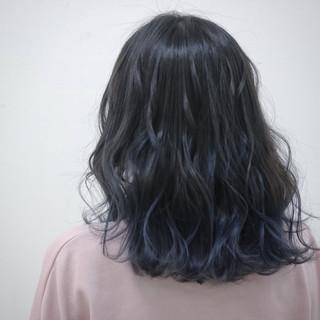 ミディアム ゆるふわ 外国人風 グラデーションカラー ヘアスタイルや髪型の写真・画像