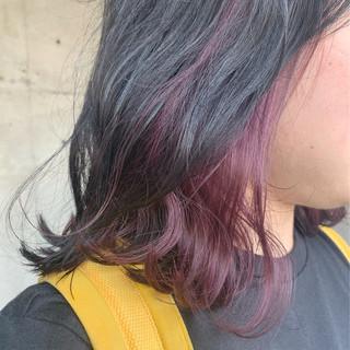 インナーカラー ミディアム ブリーチ必須 ナチュラル ヘアスタイルや髪型の写真・画像