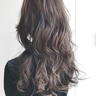 秋 アッシュ ナチュラル 透明感 ヘアスタイルや髪型の写真・画像