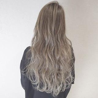 アンニュイ ハイライト アッシュ 外国人風 ヘアスタイルや髪型の写真・画像