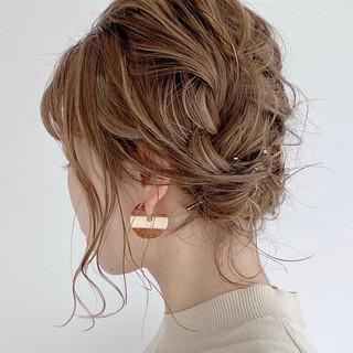 編み込み ミディアム 簡単ヘアアレンジ 編み込みヘア ヘアスタイルや髪型の写真・画像