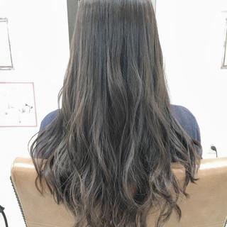 ガーリー アッシュ グラデーションカラー 冬 ヘアスタイルや髪型の写真・画像