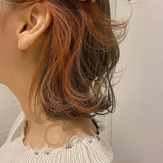 ナチュラル 切りっぱなしボブ インナーカラー オレンジカラー ヘアスタイルや髪型の写真・画像