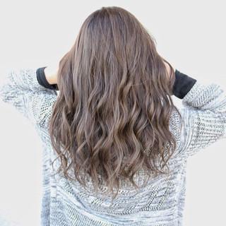 セミロング 透明感 ハイライト グレージュ ヘアスタイルや髪型の写真・画像