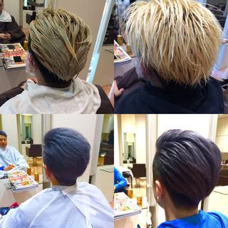 坊主 ダブルカラー アッシュグレー 個性的 ヘアスタイルや髪型の写真・画像