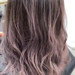 ショートヘア ミディアム インナーカラー ショートボブ ヘアスタイルや髪型の写真・画像