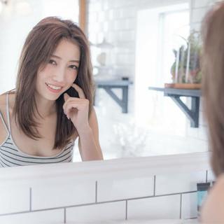 外国人風 アッシュ フェミニン リラックス ヘアスタイルや髪型の写真・画像
