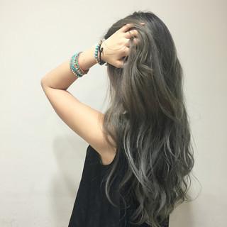 ロング グラデーションカラー 艶髪 ガーリー ヘアスタイルや髪型の写真・画像