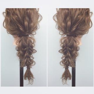 フェミニン ナチュラル ヘアアレンジ ゆるふわ ヘアスタイルや髪型の写真・画像