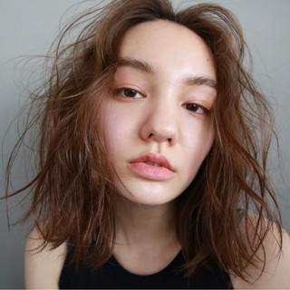 ボブ パーマ 外国人風 アンニュイ ヘアスタイルや髪型の写真・画像