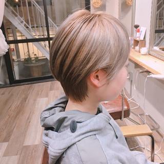 ショート ミルクティーグレージュ ストリート ベリーショート ヘアスタイルや髪型の写真・画像