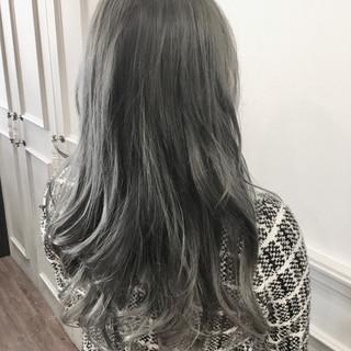 グラデーションカラー アッシュ エレガント ロング ヘアスタイルや髪型の写真・画像