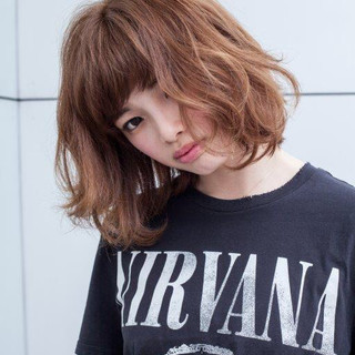 ヘアカラー 大人可愛い ショートヘア パーマ ヘアスタイルや髪型の写真・画像 ヘアスタイルや髪型の写真・画像