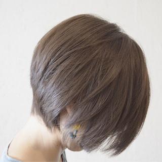 前下がり アッシュ ショート ラベンダーアッシュ ヘアスタイルや髪型の写真・画像