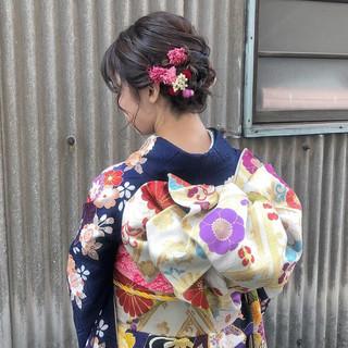 ヘアアレンジ 成人式 ガーリー セミロング ヘアスタイルや髪型の写真・画像