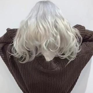 簡単スタイリング ホワイトカラー ロング ストリート ヘアスタイルや髪型の写真・画像