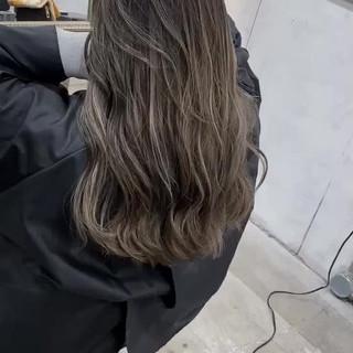 バレイヤージュ コントラストハイライト ナチュラル ハイライト ヘアスタイルや髪型の写真・画像