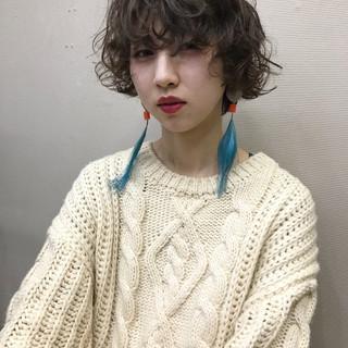 アンニュイ ウェーブ ショート パーマ ヘアスタイルや髪型の写真・画像