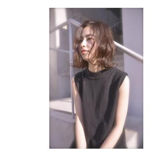 ナチュラル 暗髪 アッシュ くせ毛風 ヘアスタイルや髪型の写真・画像