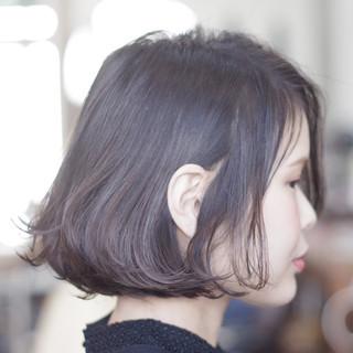 モテボブ アッシュグレー ナチュラル ボブ ヘアスタイルや髪型の写真・画像