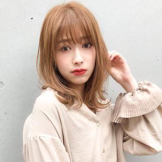 ミディアム デジタルパーマ ミディアムレイヤー ナチュラル ヘアスタイルや髪型の写真・画像