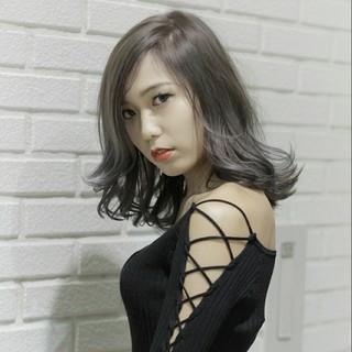セミロング 透明感 モード 外国人風 ヘアスタイルや髪型の写真・画像 ヘアスタイルや髪型の写真・画像