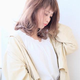 ミディアム リラックス セミロング 透明感 ヘアスタイルや髪型の写真・画像