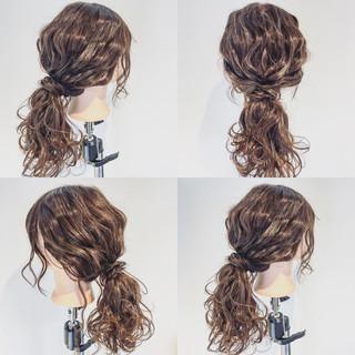 ポニーテール 簡単ヘアアレンジ 波ウェーブ セミロング ヘアスタイルや髪型の写真・画像