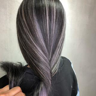 グラデーションカラー バレイヤージュ ナチュラル ミルクティー ヘアスタイルや髪型の写真・画像