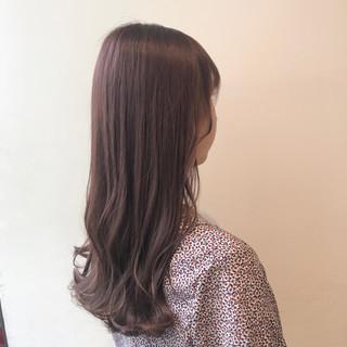 ナチュラル 透明感カラー ピンクアッシュ セミロング ヘアスタイルや髪型の写真・画像