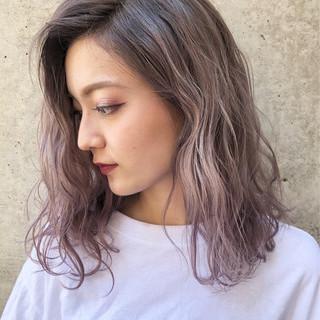 ピンク セミロング ラベンダーピンク ラベンダー ヘアスタイルや髪型の写真・画像