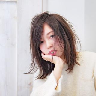 外国人風 冬 秋 ストレート ヘアスタイルや髪型の写真・画像