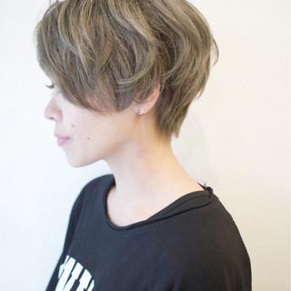 外国人風カラー アッシュ ショートボブ ダブルカラー ヘアスタイルや髪型の写真・画像