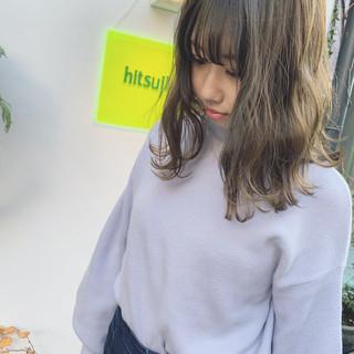 アンニュイほつれヘア ナチュラル ミディアム オフィス ヘアスタイルや髪型の写真・画像