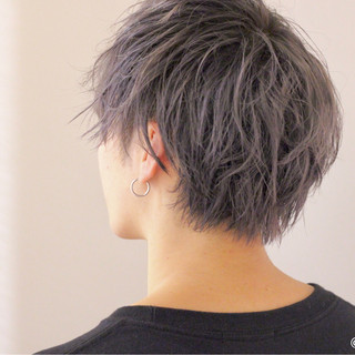 ショート ボーイッシュ ベージュ ラベンダー ヘアスタイルや髪型の写真・画像