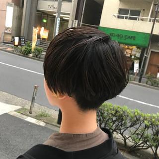 刈り上げ ショート 色気 ナチュラル ヘアスタイルや髪型の写真・画像