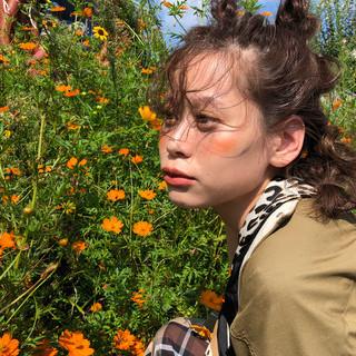 巻き髪 ミディアム ヘアアレンジ 簡単ヘアアレンジ ヘアスタイルや髪型の写真・画像