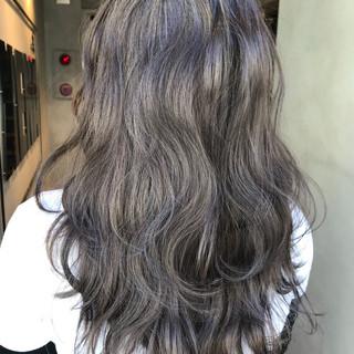 ラベンダーアッシュ ブルージュ 透明感 ナチュラル ヘアスタイルや髪型の写真・画像