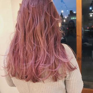 ミディアム 大人かわいい ピンクアッシュ アンニュイほつれヘア ヘアスタイルや髪型の写真・画像