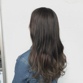 ロング アウトドア ガーリー アッシュ ヘアスタイルや髪型の写真・画像 ヘアスタイルや髪型の写真・画像
