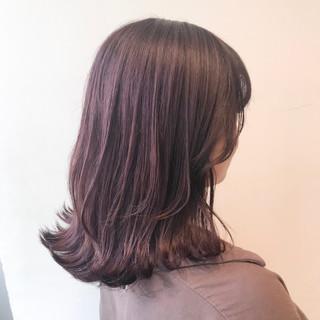 ミディアム ピンクラベンダー ピンクベージュ 透明感カラー ヘアスタイルや髪型の写真・画像
